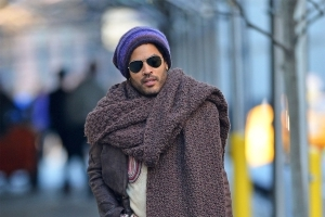 f775338f8 Lenny Kravitz Opens Up About His Giant Scarf Meme: 'I Cannot Escape This'