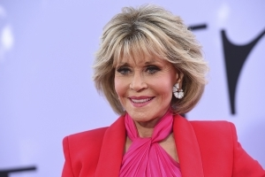 Jane Fonda Is Not Proud of Her Plastic Surgery and Wishes She Was 'Braver': 'But I Am What I Am'
