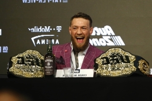 Conor McGregor signs new 8-fight deal with UFC