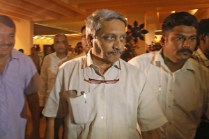 Manohar Parrikar threatening people from hospital: Congress