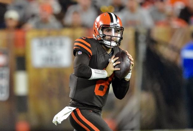 2c444b88b50 The Browns' Baker Mayfield (6) looks to throw during the second half against