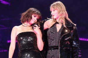 Selena Gomez Says 'Amazing' Taylor Swift Is Her 'Big Sister': 'I Tell Her Everything'