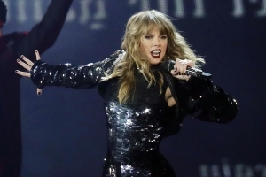 Taylor Swift will open the 2018 American Music Awards