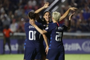 Rapinoe leads USWNT to convincing win in World Cup qualifying opener