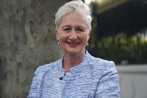 Fake email claiming Kerryn Phelps has HIV part of 'dirty tricks' in Wentworth by-election campaign