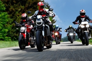 Ducati Monster 1200 und Indian FTR 1200