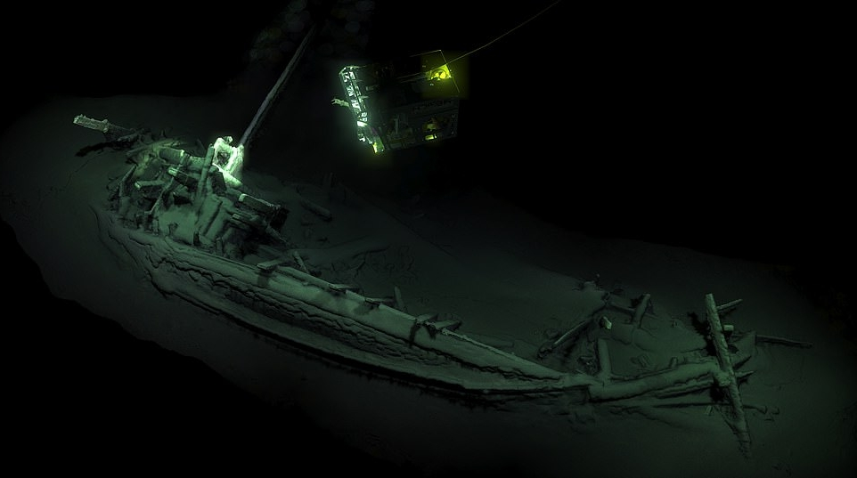 the-world-s-oldest-shipwreck-2-400-year-old-odysseus-greek-trading-vessel-discovered-1-3-miles-down-_673791_.jpg?content=1