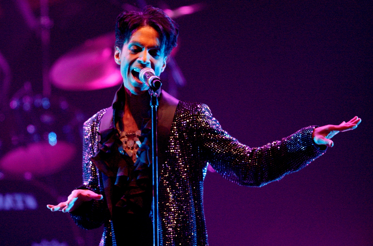 422ea588b5d Entertainment: Prince Honored by New Purple Minnesota Timberwolves ...