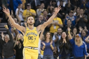 dd7f5327a Sport  Stephen Curry has more threes than four NBA teams - PressFrom - US