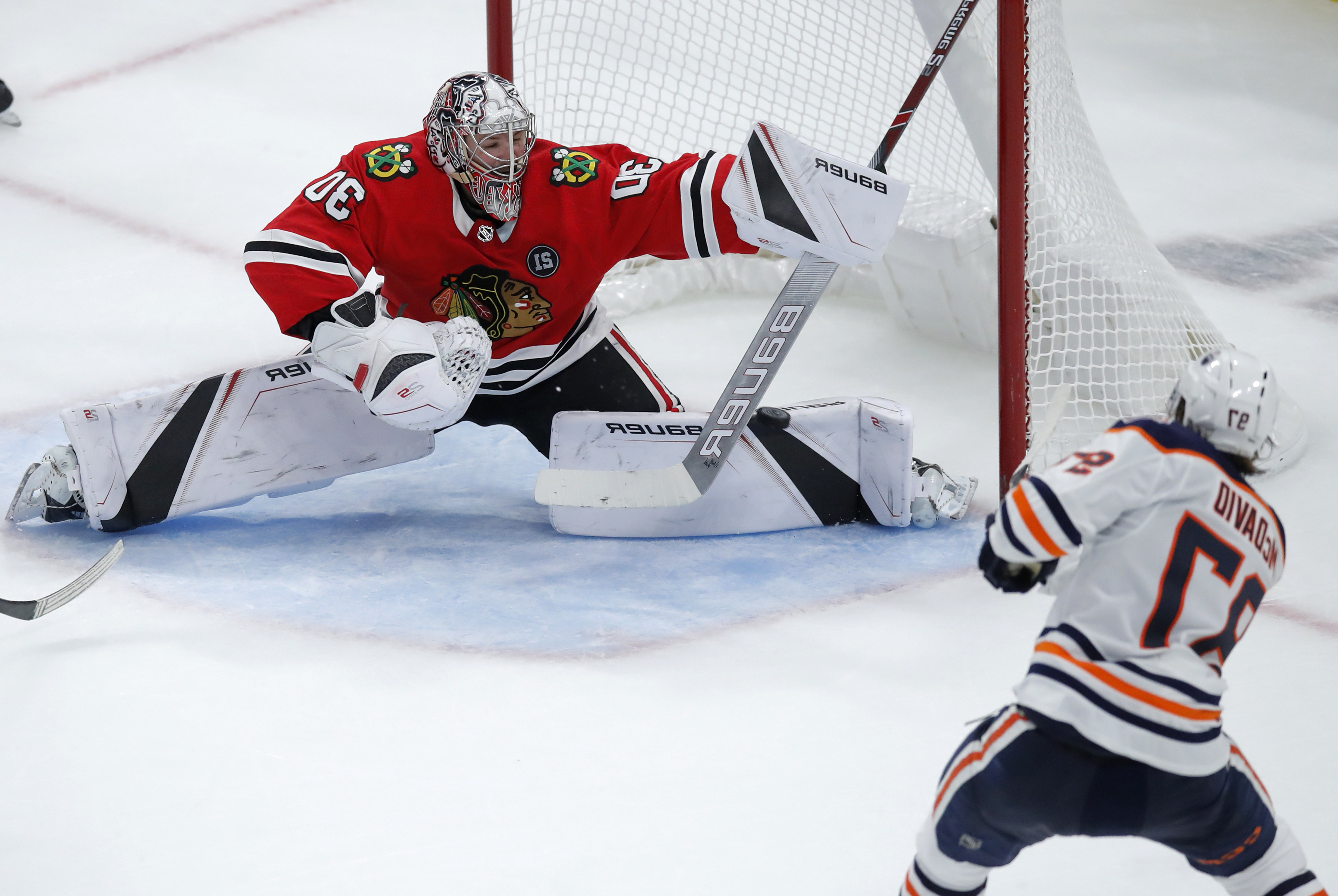McDavid's OT goal gives Oilers 2-1 win over Blackhawks
