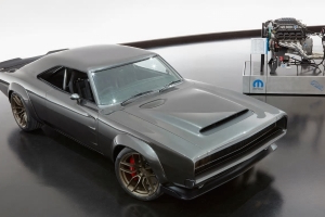 Mopar Caps Sema Surprises With 1 000 Hp Hellephant