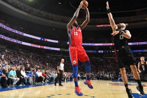 Embiid leads 76ers past Clippers 122-113