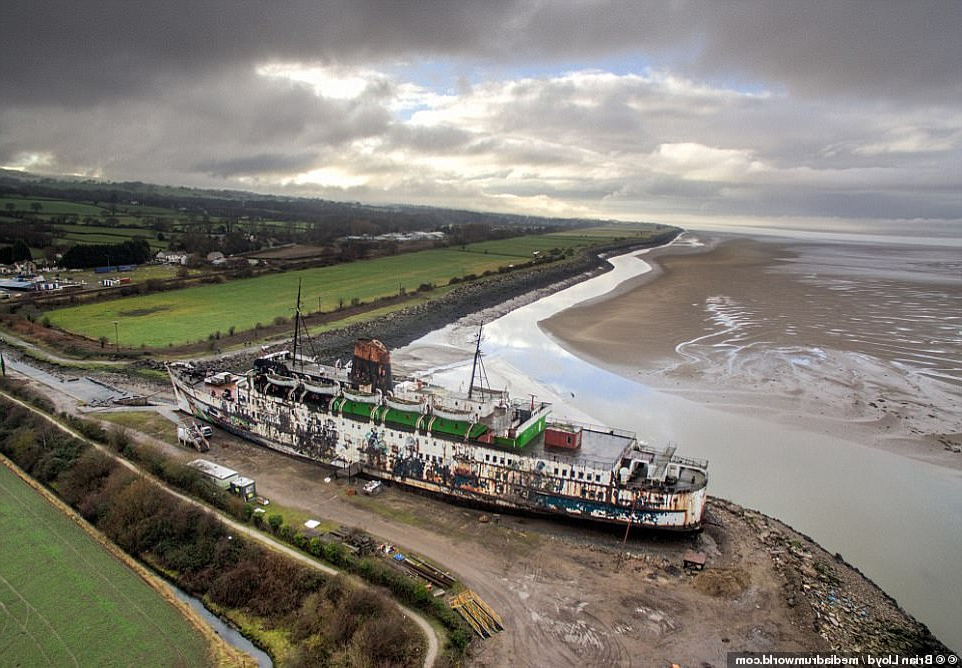 travel eerie abandoned passenger steamer becomes an unexpected
