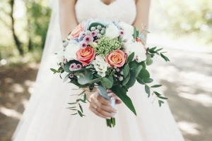 a4294602f31a Wedding   This is tacky   Bride-to-be sparks debate after asking guests for   75 DEPOSITS to attend her wedding and two bridal showers - PressFrom -  United ...