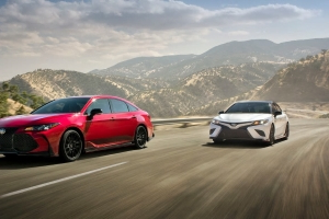Toyota Gives Camry, Avalon the TRD Treatment