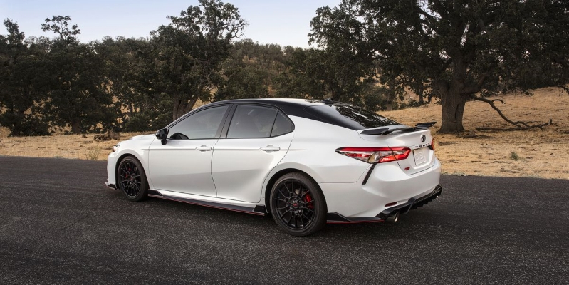 Reviews The 2020 Toyota Camry Trd Has Red Seatbelts And The Chassis