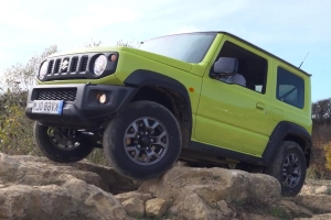 The New Suzuki Jimny Is a Seriously Capable Off-Roader