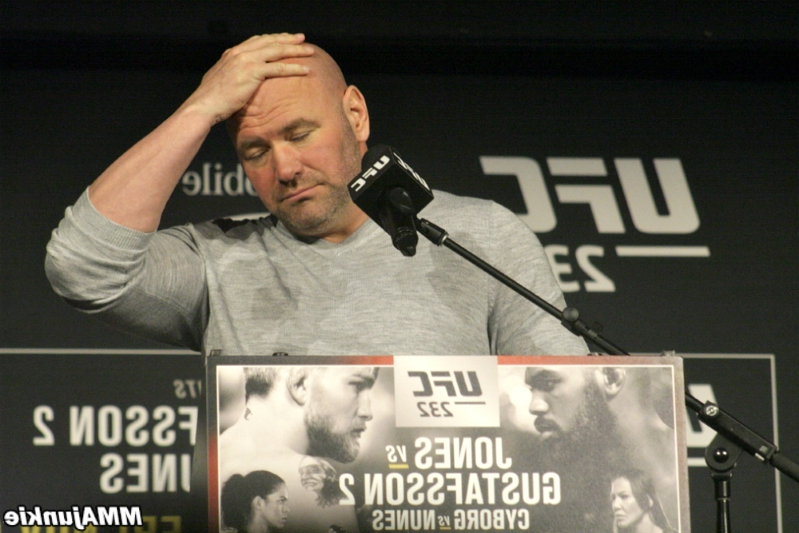 Dana White fumes at 'cokehead junkie' Oscar De La Hoya for allowing Liddell vs. Ortiz 3