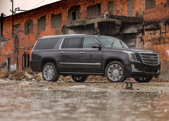 Auto Shows 2019 Cadillac Escalade Gets Blacked Out Sport Edition