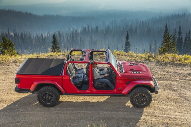2020 Jeep Gladiator First Look: This is No Scrambler