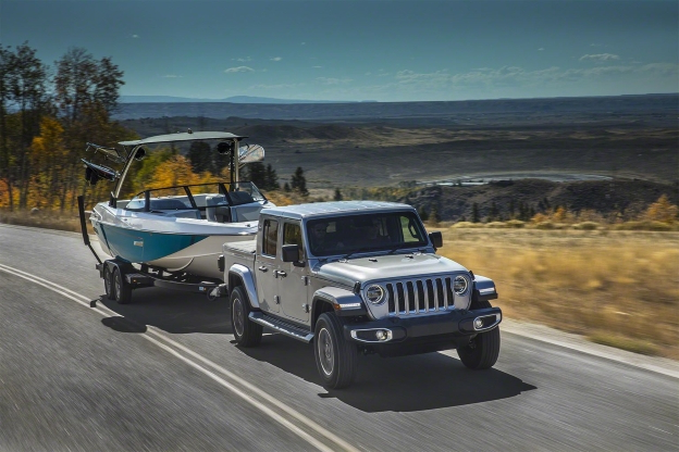 Auto Shows 2020 Jeep Gladiator Vs Pickup Trucks From Chevy Ford