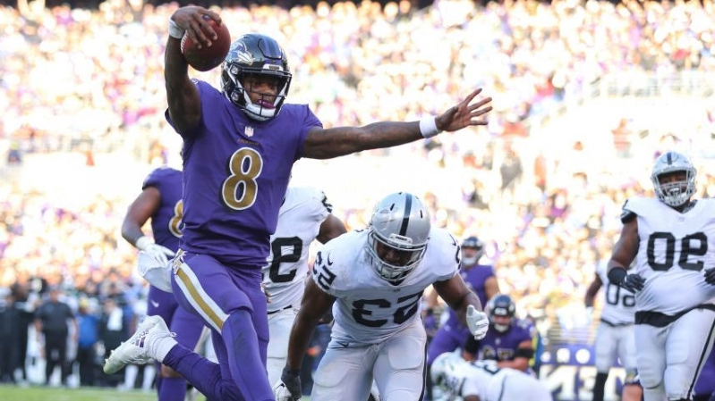 2fbc51268f00 Offbeat: Mike Vick advises Lamar Jackson to tread lightly when he ...