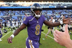 Offbeat  Ravens Player Thinks Some Criticism of Lamar Jackson is ... ad59889cb