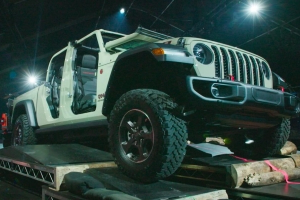Jeep will make its first pickup in 26 years
