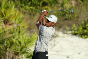 3-way tie for lead in Bahamas with Woods at the bottom