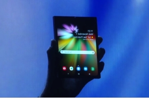 Samsung's target demographic for its foldable phone will be middle-aged professionals