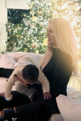Baby's First Christmas! Khloé Kardashian Shares Adorable Holiday Photos of Daughter True