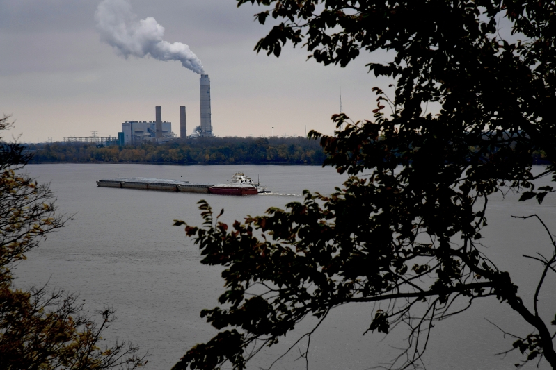 EPA announces plan to ease carbon emissions rule for new coal plants