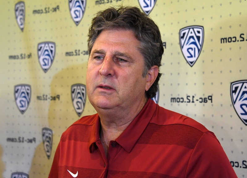 Mike Leach recruiting Urban Meyer to teach class with him at Washington State