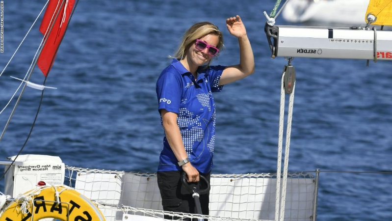 Susie Goodall: Solo yachtswoman is adrift in Southern Ocean