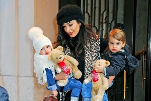 3263199671a45 Amal Clooney steps out with her adorable twins Ella and Alexander