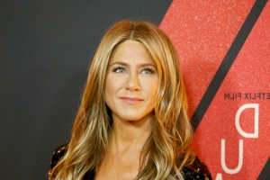 Jennifer Aniston 'So Excited' Over Dolly Parton's Golden Globe Nomination (Exclusive)