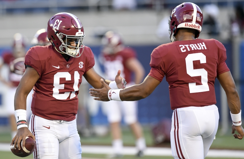 Tua Tagovailoa praises Jalen Hurts: Staying at Alabama was 'something very special'