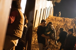 Migrant family apprehensions along the border continue to rise