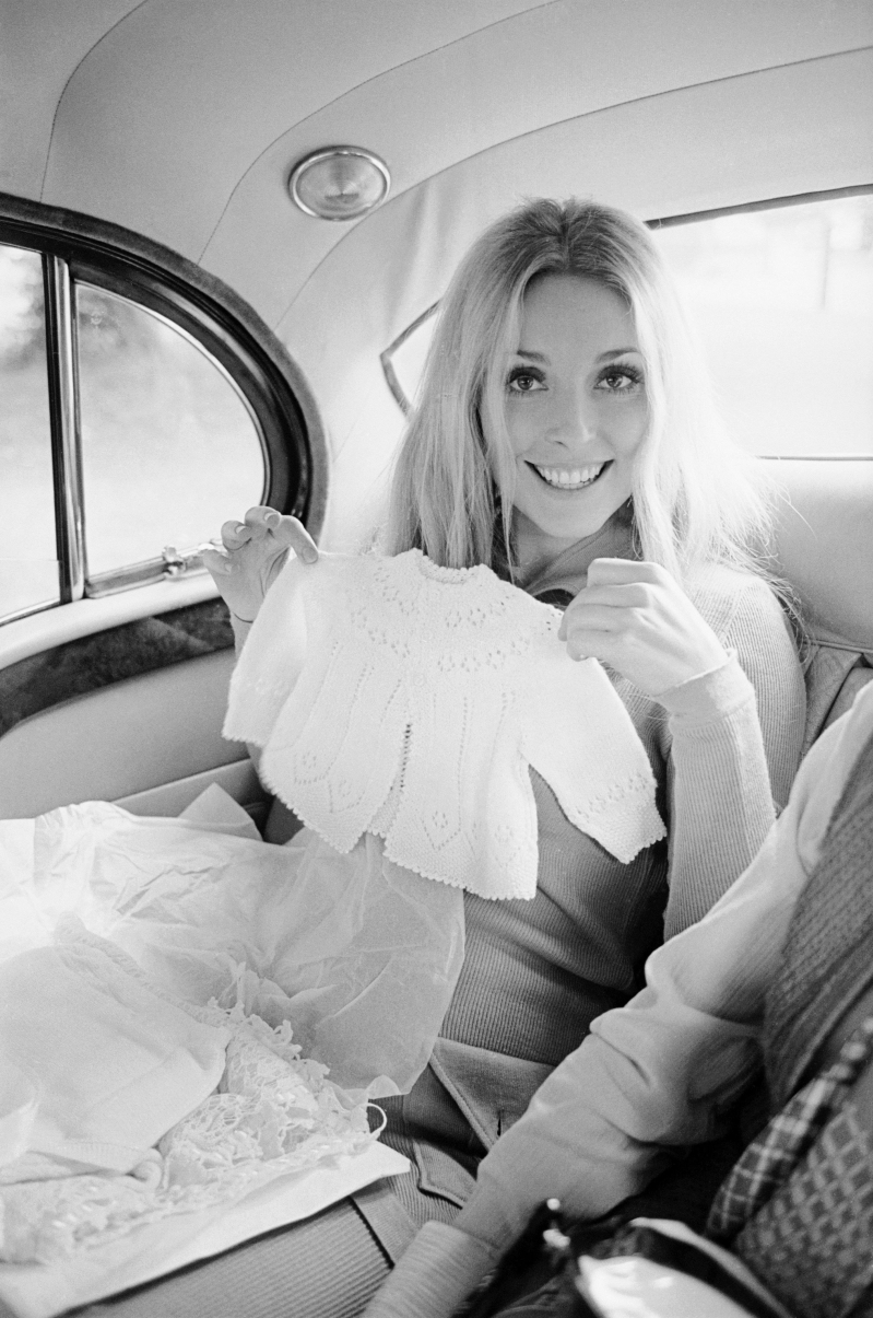 Entertainment: See Sharon Tate in Rare, Candid Photos Taken Shortly