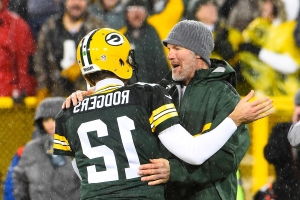 Brett Favre on coaching the Packers: Only 'intrigued' but 'never say never'