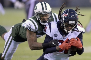 DeAndre Hopkins becomes second-youngest player to catch 500 passes