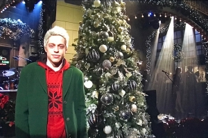 Pete Davidson Shows Christmas Spirit In Brief 'SNL' Appearance After Disturbing Post