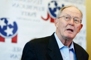 Tennessee GOP senator Lamar Alexander announces retirement