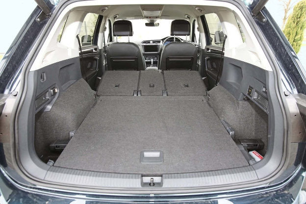 volk wagon volkswagen tiguan kofferraum. Black Bedroom Furniture Sets. Home Design Ideas