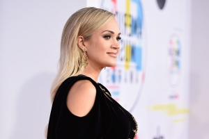 Carrie Underwood Just Got Real About Pregnancy Insomnia on Twitter