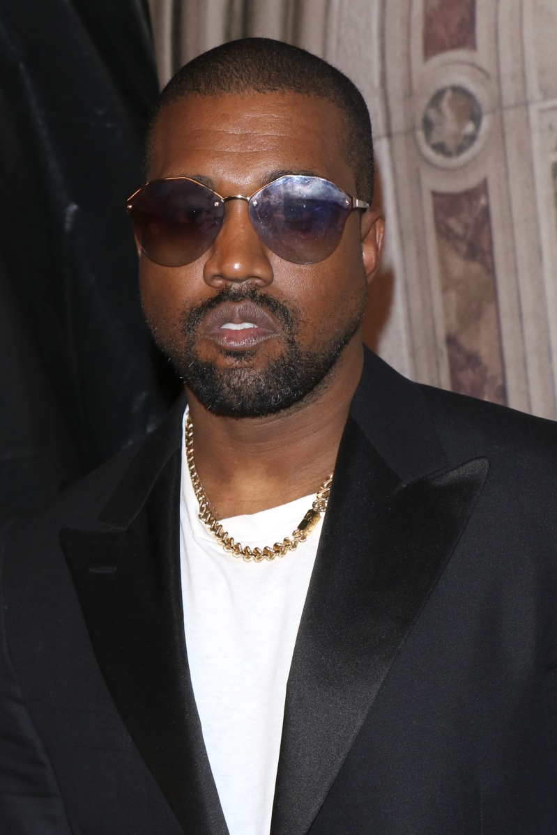 Entertainment: Kanye West calls out Drake for following Kim