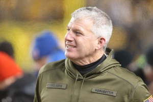 Broncos reportedly interested in Mike Munchak, Zac Taylor, among others for HC