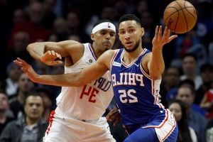 Ben Simmons seals a 76ers victory with this sly inbounds play