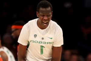 Report: Oregon's Bol Bol Likely Out for Season Due to Stress Fracture in Left Foot