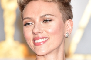 "Scarlett Johansson Speaks Out On Deepfake Porn, Calls It ""A Lost Cause"""